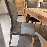 Diese Stühle passen perfekt zu unserem Kopfauszugstisch aus Asteiche.