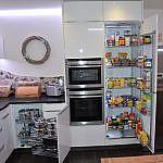 Weisse Hochglanzküche