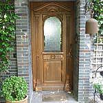 Einflügelige Eichenhaustür mit Eisblumenglas