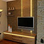 Lowboard mit Fernsehpaneele und Steckboarden